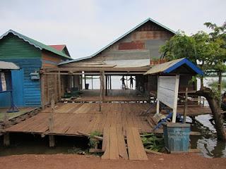 Sanierung des Gemeindehauses in Preksromot