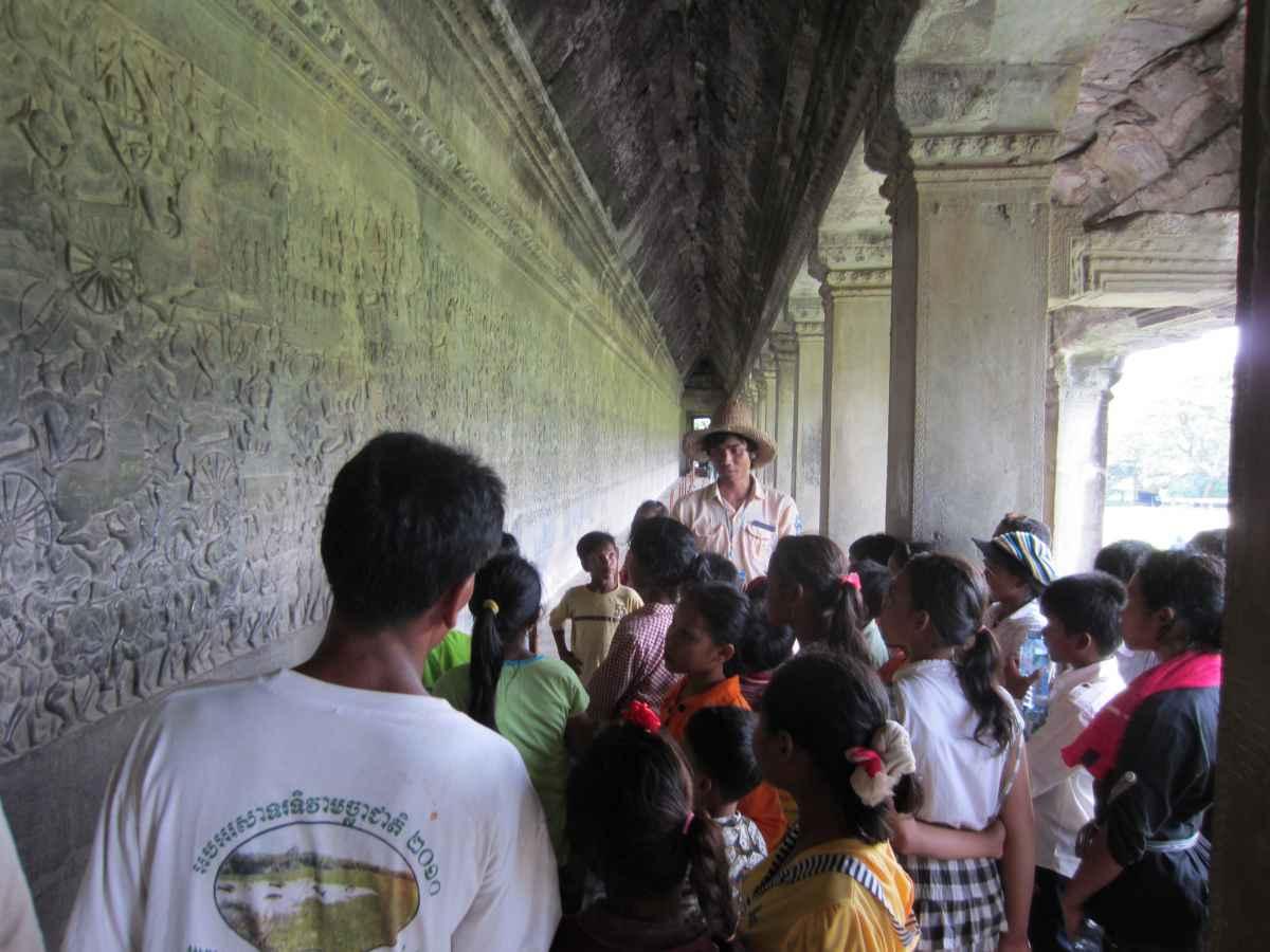 Besuch in Angkor Wat mit den Kindern aus Preksromot #2